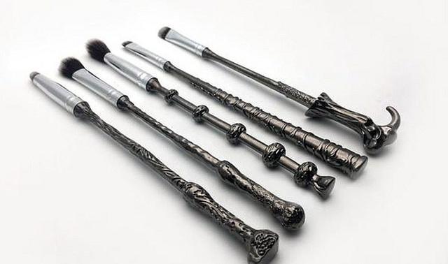 thefemin-wand-brush-set-01