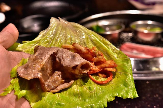包肉生菜-公益路燒烤吃到飽